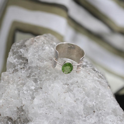 VAGABONDS with Peridot Ring
