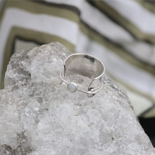 VAGABONDS with Mother of Pearl Ring